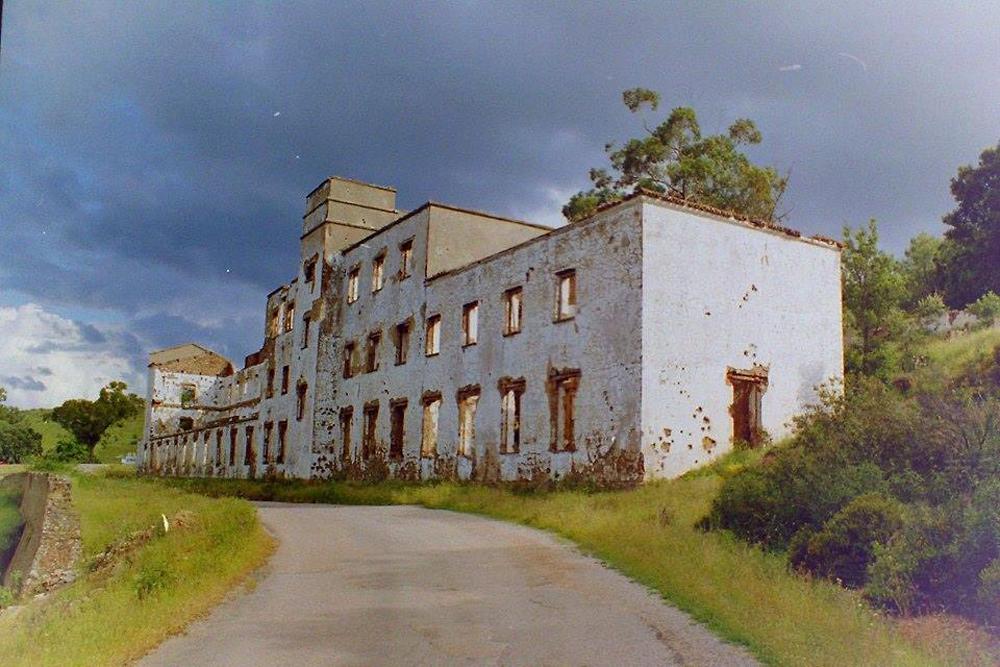 """Ruinas del sanatorio de tuberculosos: """"Enfermería Victoria Eugenia"""""""