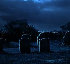 La profanación de la tumba de una joven