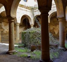 San Isidro de Loriana, un monasterio franciscano abandonado
