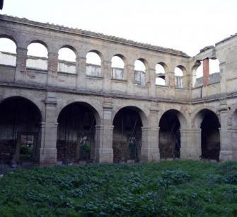 Convento franciscano abandonado de la Bien Parada de Abadía