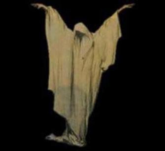 La Pantaruja, el espantajo encapuchado